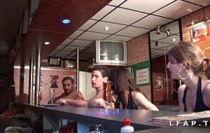 filme porno rominesti in club